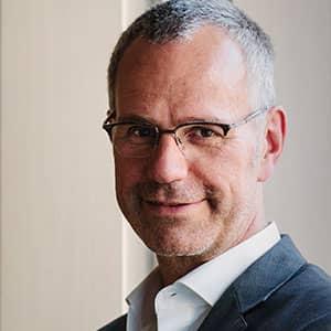 DR. CARL FRIEDRICH ECKHARDT, Leiter Kompetenzzentrum für urbane Mobilität, BMW